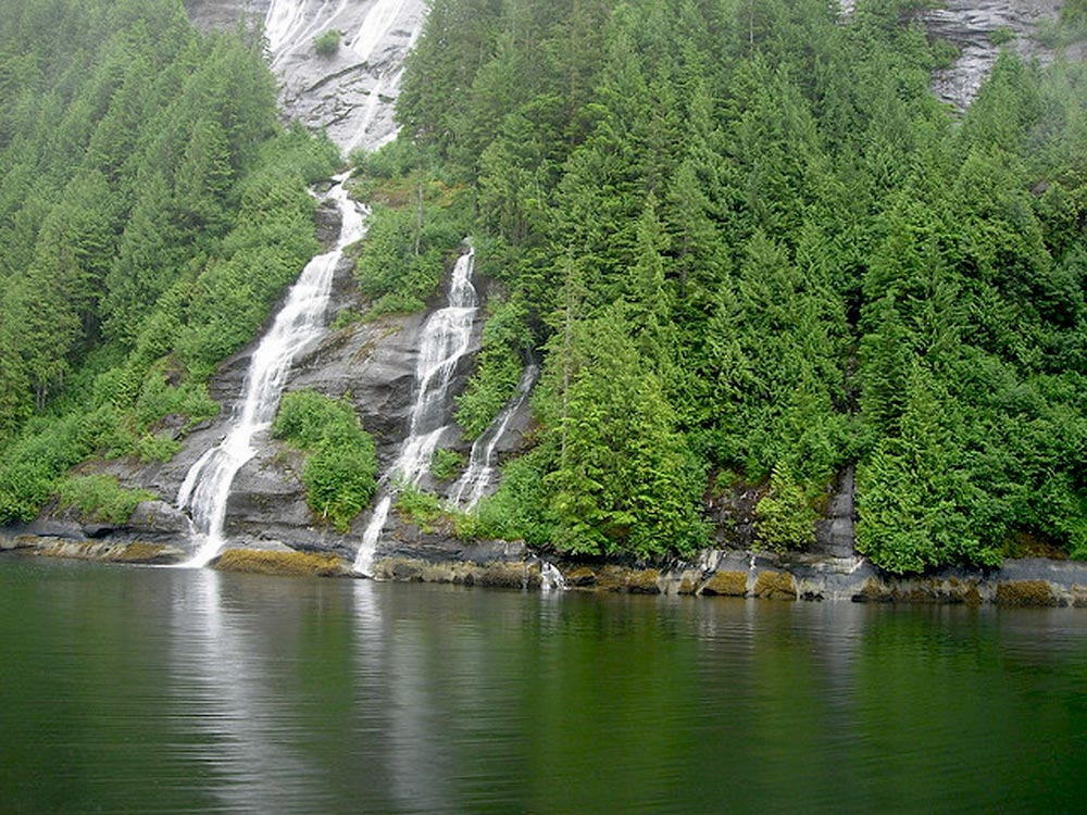 Misty-Fjords-Waterfall